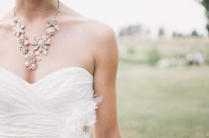 תכשיטי יהלומים לכל מצב: תכשיטים שתוכלו ללבוש עם ג'ינס או שמלה