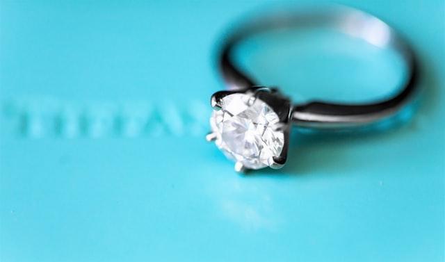 מדריך לבחירת היהלום המושלם לטבעת אירוסין