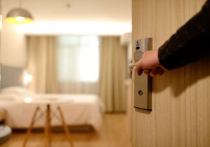 4 דרכים לחסוך כסף במלונות לחופשה הבאה שלך